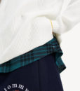 pull-femme-Tommy-Hilfigera-Jeans-side-slit-blanc-snow-white-DW0DW07178-YAP-zo